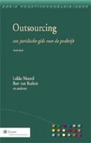 Outsourcing De meerwaarde van dit boek is gelegen in de praktische, integrale aanpak, waarbij de juridische problemen en oplossingen geïntegreerd worden behandeld aan de hand van het verloop van het outsourcingsproces.