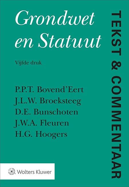"""Tekst & Commentaar Grondwet en Statuut Deze bundel wetteksten bevat commentaren op zowel de Grondwet als het Statuut voor het Koninkrijk der Nederlanden naar de stand van 15 augustus 2018. De wetteksten worden inzichtelijk gemaakt middels een beschrijving en uitleg van de bepalingen naar geldend recht.<br /><br /><a href=""""/tekst-en-commentaar/proefabonnement"""" target=""""_blank"""">Probeer Tekst &amp; Commentaar online</a><span>één maand gratis en vrijblijvend!<br /></span><br /> <p>Beschikbaar als online uitgaven (Navigator), boeken WebApp.</p>"""