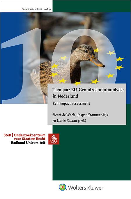 Tien jaar EU-Grondrechtenhandvest in Nederland Op 1 december 2019 is het Handvest van de Grondrechten van de EU tien jaar officieel juridisch bindend. Het jubileum geeft aanleiding voor deze uitgave, die stilstaat bij de betekenis die het document tot nu toe heeft gehad voor het Nederlandse publiek- en privaatrecht.