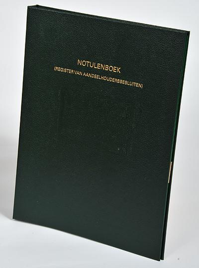 Register van aandeelhoudersbesluiten (notulenboek) De directie van elke NV en BV moet aantekening houden van alle besluiten die door de aandeelhouders zijn genomen. Het notulenboek in de bekende 'groene band' geeft een toelichting op deze wettelijke bepalingen en bevat vele voorbeelden van de formulering van besluiten.