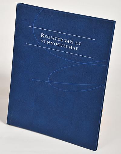 Register van de vennootschap - boek <p>Een register van aandeelhouders moet worden gehouden door de directie van elke BV die aandelen op naam heeft. Met Register van de vennootschap kunt u op efficiënte wijze voldoen aan deze wettelijke verplichting.</p>